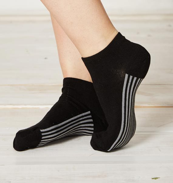 LS158-Solid-Black-Bamboo-Ankle-Socks-Close