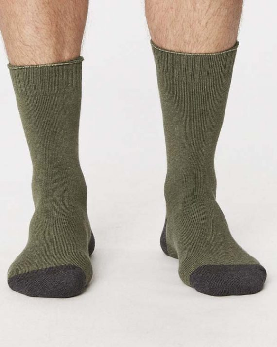 spm267-walker-organic-cotton-socks-forest-front-both-feet-spm267navy