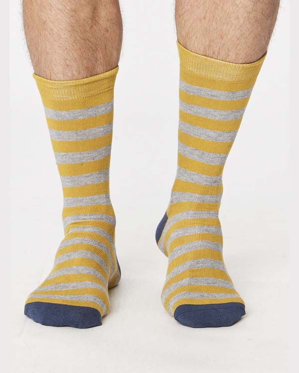spm273-jorden-stripey-bamboo-socks-mustard-front-close-both-feet_3