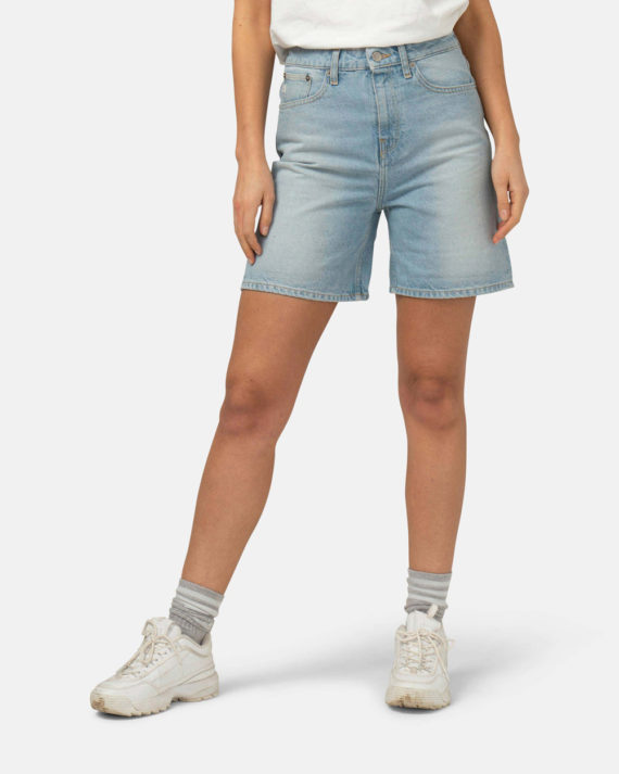 Woman-Sustainable-Jeans-Beverly-Shorts-Sun-Stone-halffront2-1